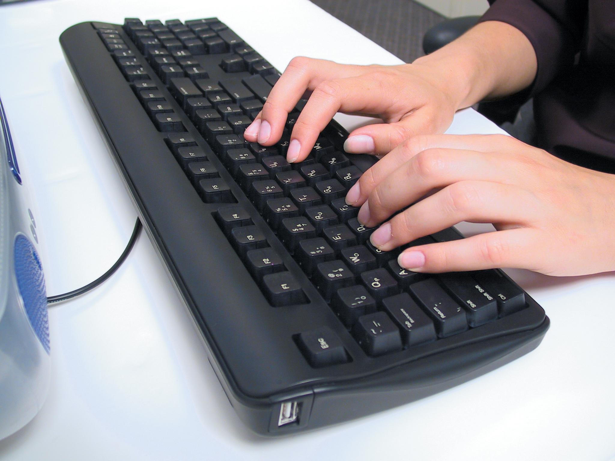 Manos teclado