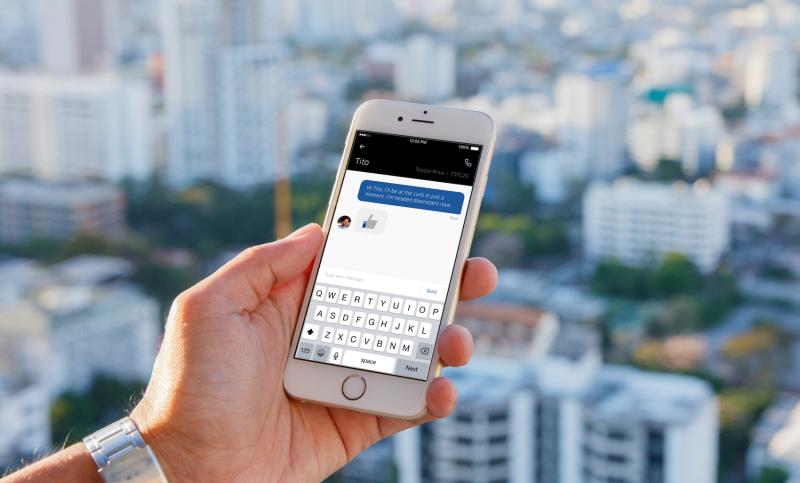 El app de Uber permite envío de mensajes entre conductor y pasajero