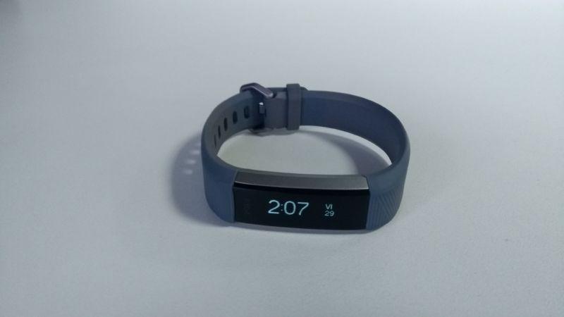 Fitbit Alta HR (8)